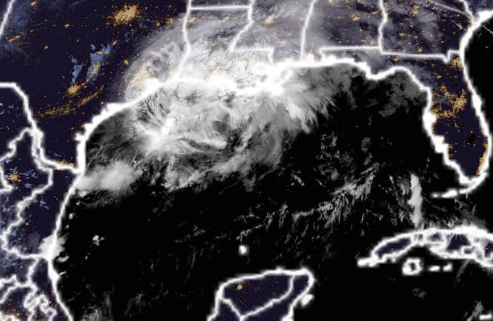 Stormen Nicholas taber pusten - men forværrer skaderne efter orkanen Ida