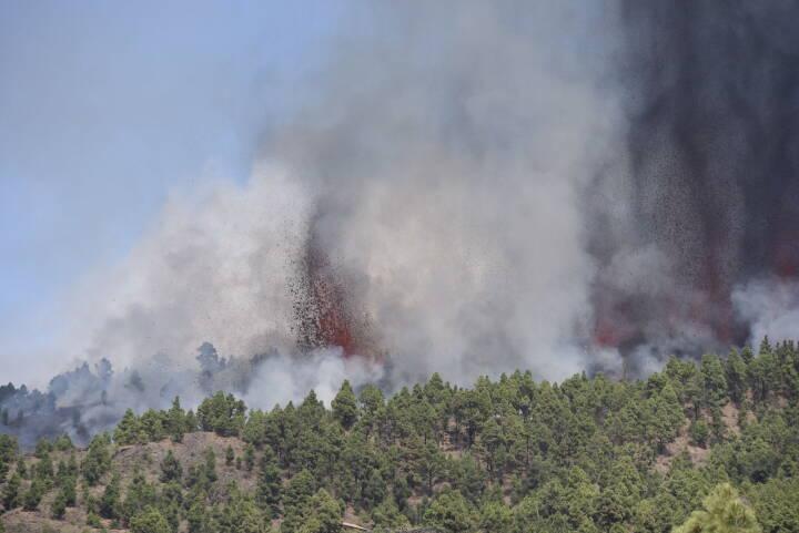 Vulkanudbrud på kanarieøen La Palma for første gang i 50 år