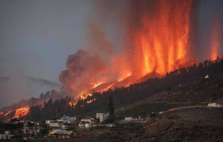 Se billederne: Vulkan på La Palma har dannet fem revner