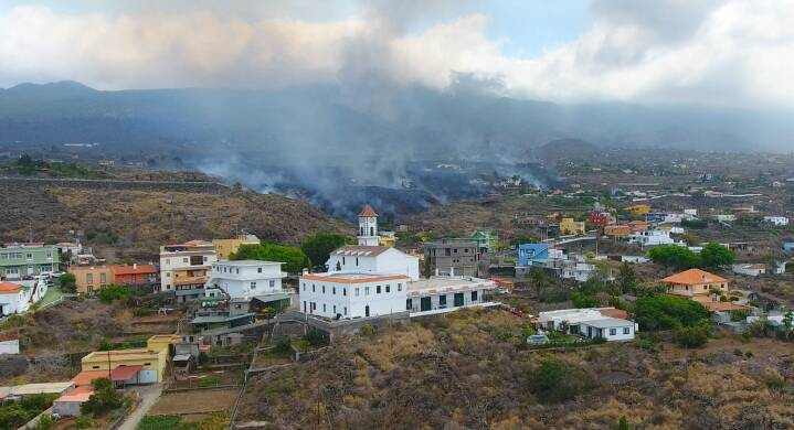 Evakueringerne fortsætter på spansk ø, der er ramt af vulkanudbrud