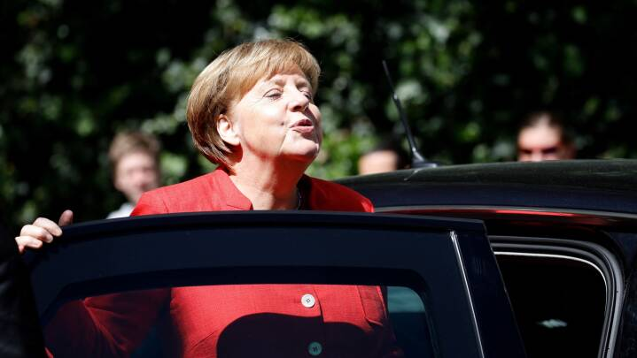 Helle Thorning-Schmidt: Mit første møde med Angela Merkel var på dametoilettet