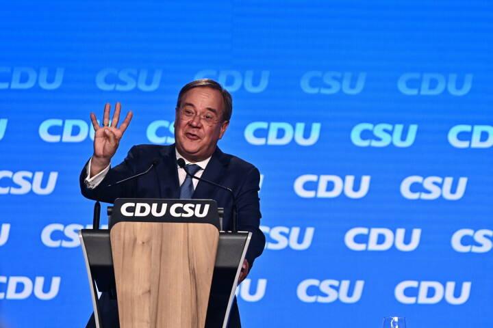 Armin Laschet sætter slutspurten ind efter tumultarisk valgkamp: 'Han træder hele tiden i spinaten'