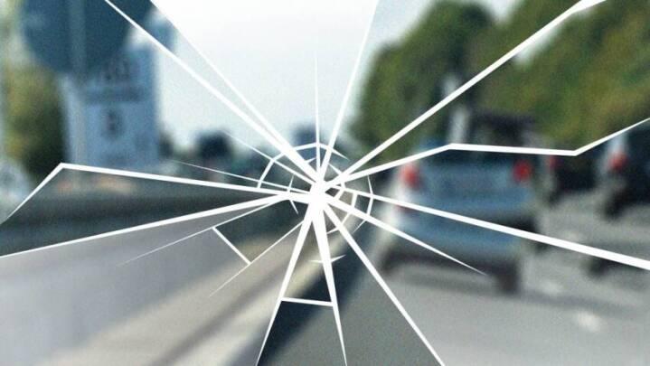 Pludselig stoppede mystiske kast med genstande mod danskere på svensk motorvej