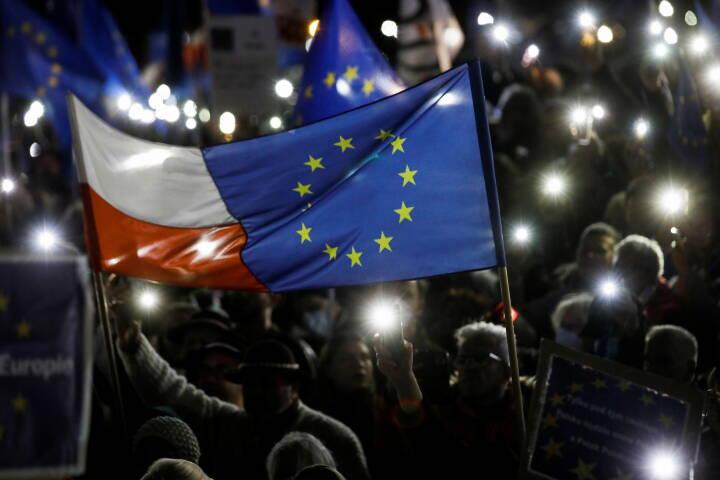 'Vi er Europa': Tusindvis af polakker demonstrerer for at blive i EU