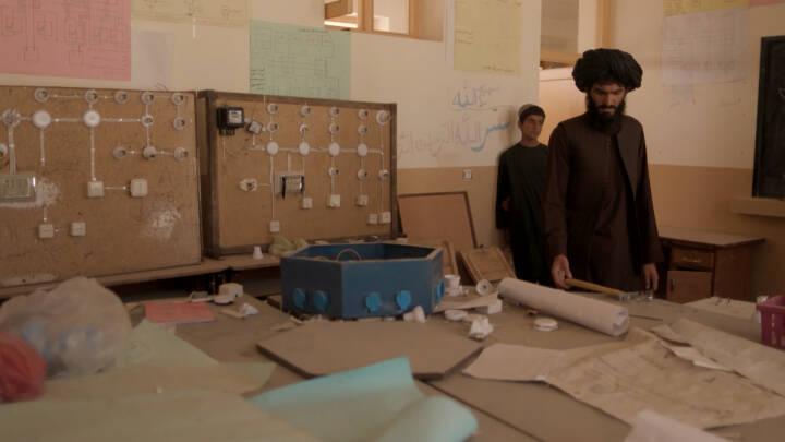 Talibankrigere huserer på dansk-støttede skoler: 'Det har stadig været umagen værd'