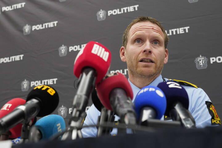 Norsk politi ændrer kurs: Sygdom kan være motiv for angreb i Kongsberg