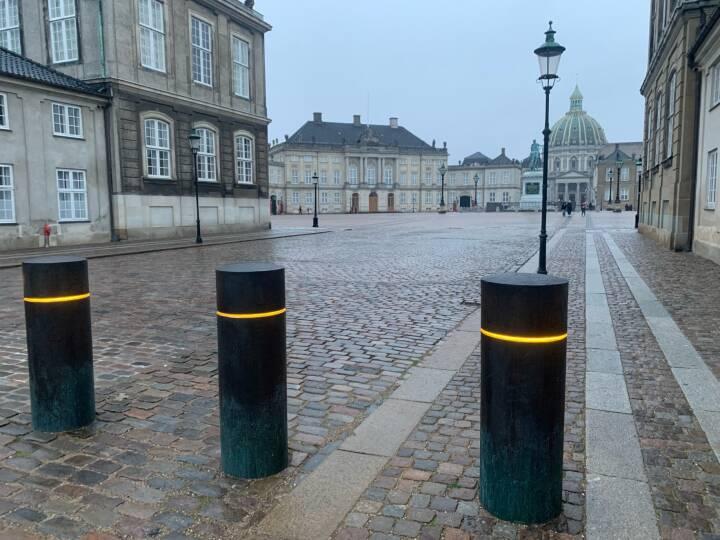 Terrorsikring lukker for biler på Amalienborg Slotsplads