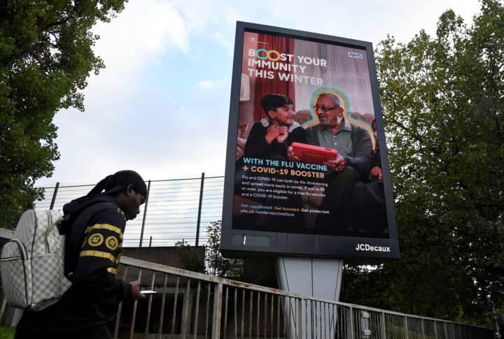 Boris Johnson afviser skrappere coronakurs, trods 50.000 nye smittede