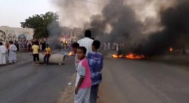 Internettet er slukket i Sudan, hvor militæret har anholdt civile ledere