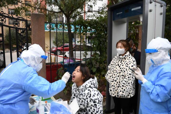 Kina lukker millionby ned efter seks coronatilfæde