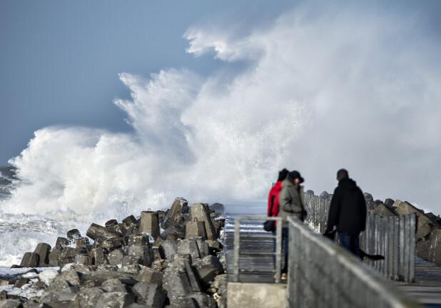 Dmi Varsler Storm Vindstød Kan Nå Orkanstyrke Vejret Dr