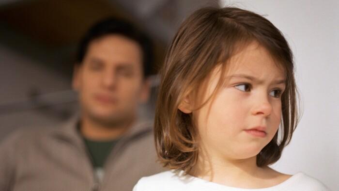 03d05489 Børn har brug for faste rammer, mener forfatter Sabine Lemire, som netop har  udgivet en ny bog om takt og tone til børn og deres forældre.