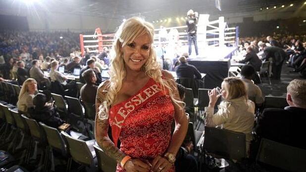 9fbb3db5c9dc ... Realitystjernen Linse Kessler er søster til bokseren Mikkel Kessler. Nu  har hun kastet sin kærlighed ...