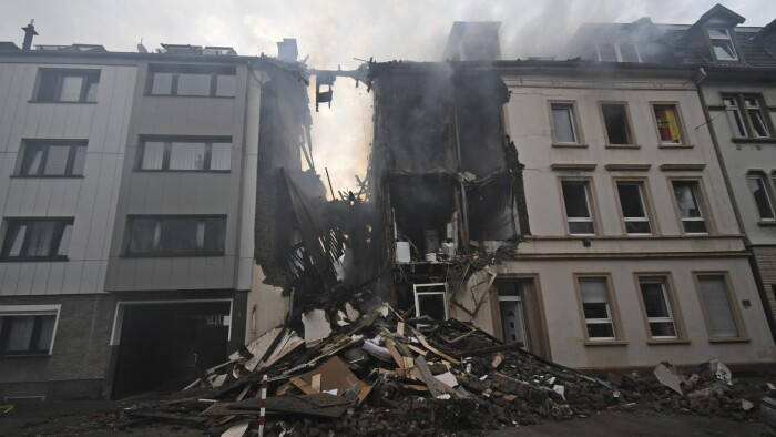 separation shoes 887bb 1662e Eksplosion i bygning i tyske Wuppertal kvæster flere ...