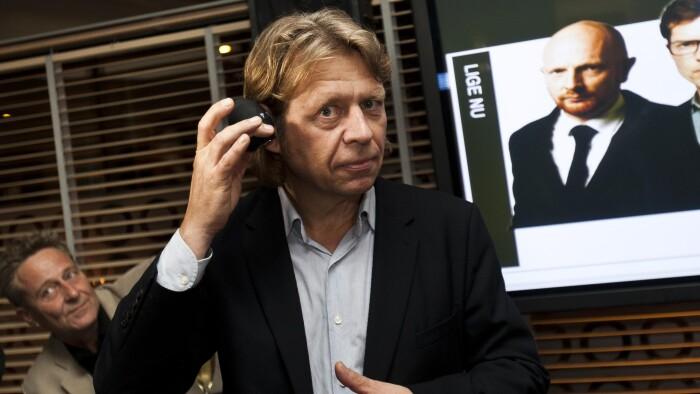 9062ba50 ... Jørgen Ramskov, mener ikke, at regeringen kan kræve at radiostationen  flytter til en bestemt landsdel. Han forsøger nu, at få EU til at gå ind i  sagen.