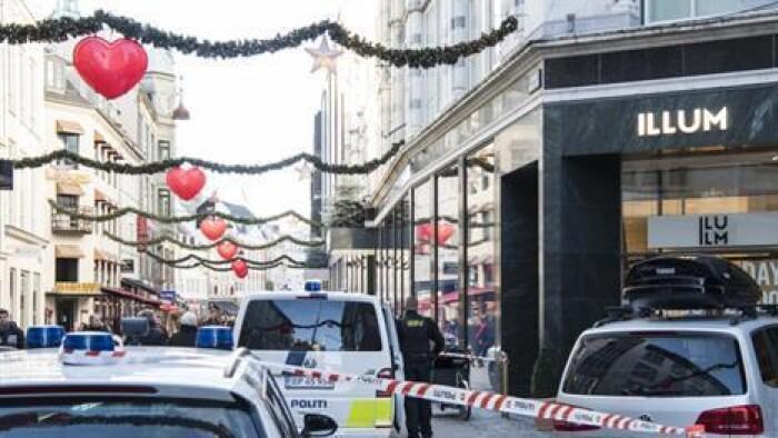 f36e2263b25 Efter røveriet mod urforhandleren Bucherer i Illum i København 13. november  sidste år var politiet massivt til stede i Antonigade og på Strøget.