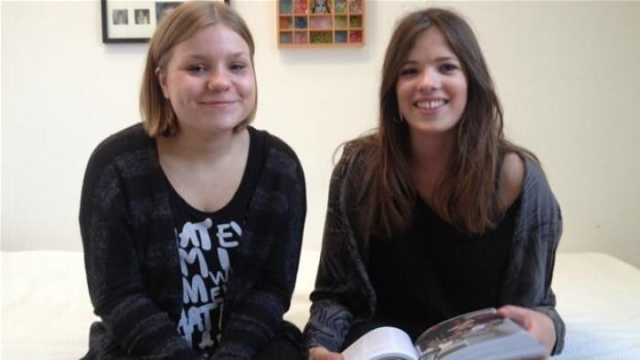 553fbaedb52 DR Kultur har bedt 16-årige Johanne Marie Herbst Pallisgaard og 15-årige  Lulu Skov Andersen om at vurdere, om bogen stadig er relevant.