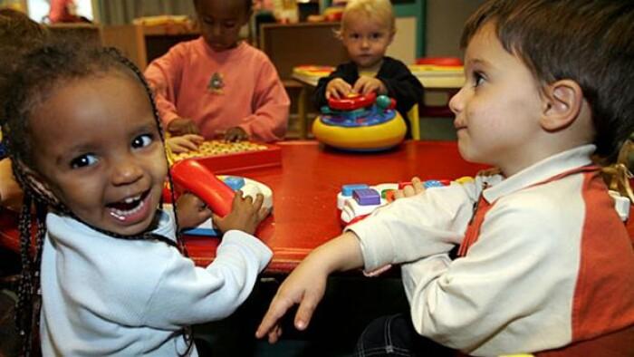 3b96c6a3 Børnepasning koster kassen for forældre | Indland | DR