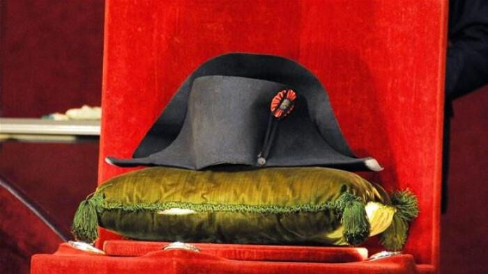e5b76bb1d78 Napoleons hat er solgt for 14 millioner   Kultur   DR
