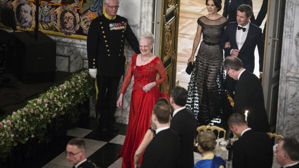 d75ecd3b54e BILLEDER Dronningen inviterede til fest på slottet   Indland   DR