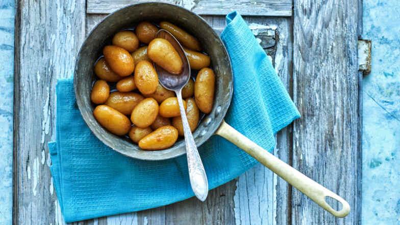 Brune Kartofler Brdr Prices Opskrift På Brunede Kartofler Mad Dr