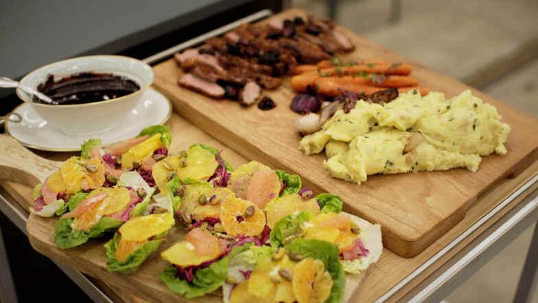 Stegt Andebryst Med Kartoffelmos Og Citrussalat Få Opskriften Her
