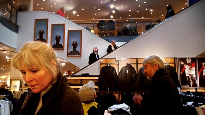 Spar 8.000 kr. på en luksusseng: Sådan får du mest ud af den lave svenske krone | Penge