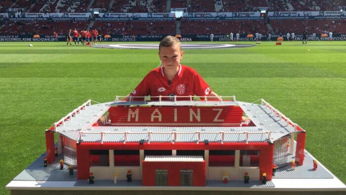 Bygger Lego: Bygger Lego-stadions til Bundesliga-klubberne