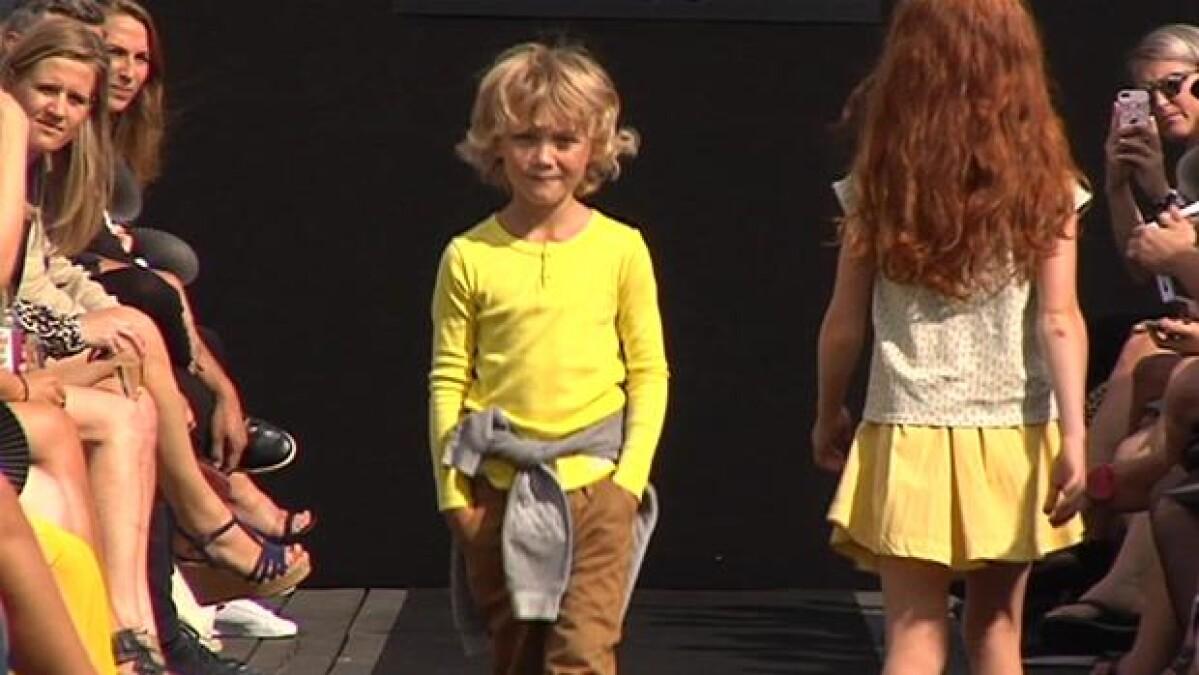 ae3971454c5 VIDEO Børn på catwalken: Max og Jasmin på 7 og 10 år indtager modeugen    Kultur   DR