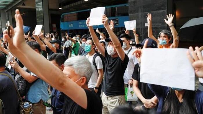 Facebook stopper udlevering af brugerdata til Hongkong...