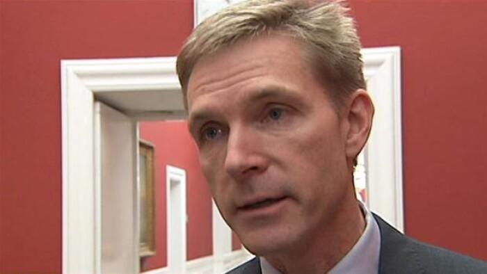 Dansk Folkeparti klar til sparekrav på forsvar | Politik | DR